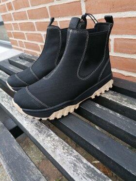 Woden - Woden Magda Rubber Track Boot